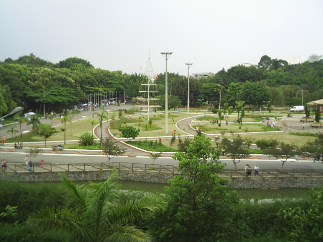 Atividades para idosos no Parque Chico Mendes