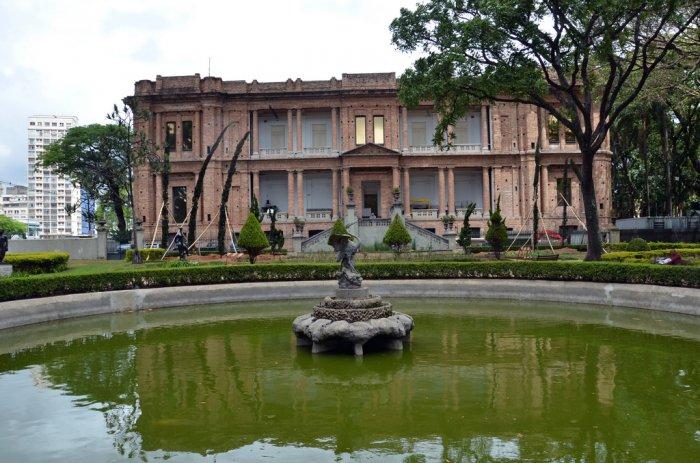 museus com entrada gratuita na pinacoteca